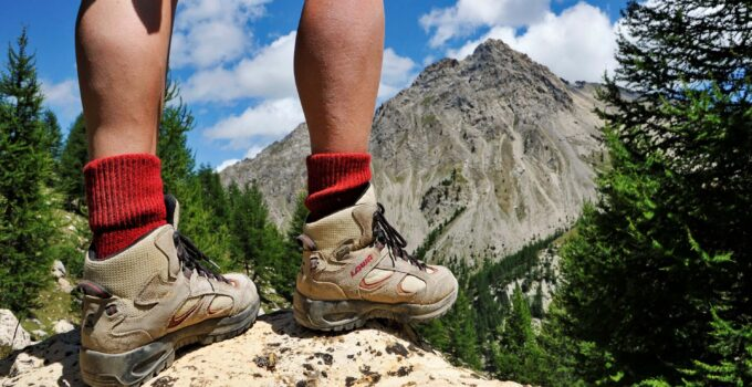 Best Hiking Boots For Bad Knees