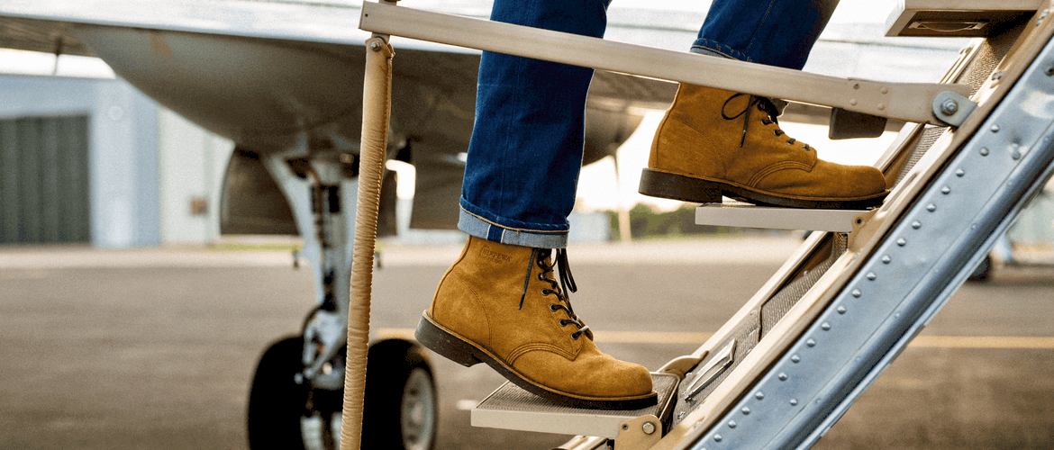 Are steel toe boots legal on flights