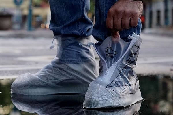 store shoes in plastic bag